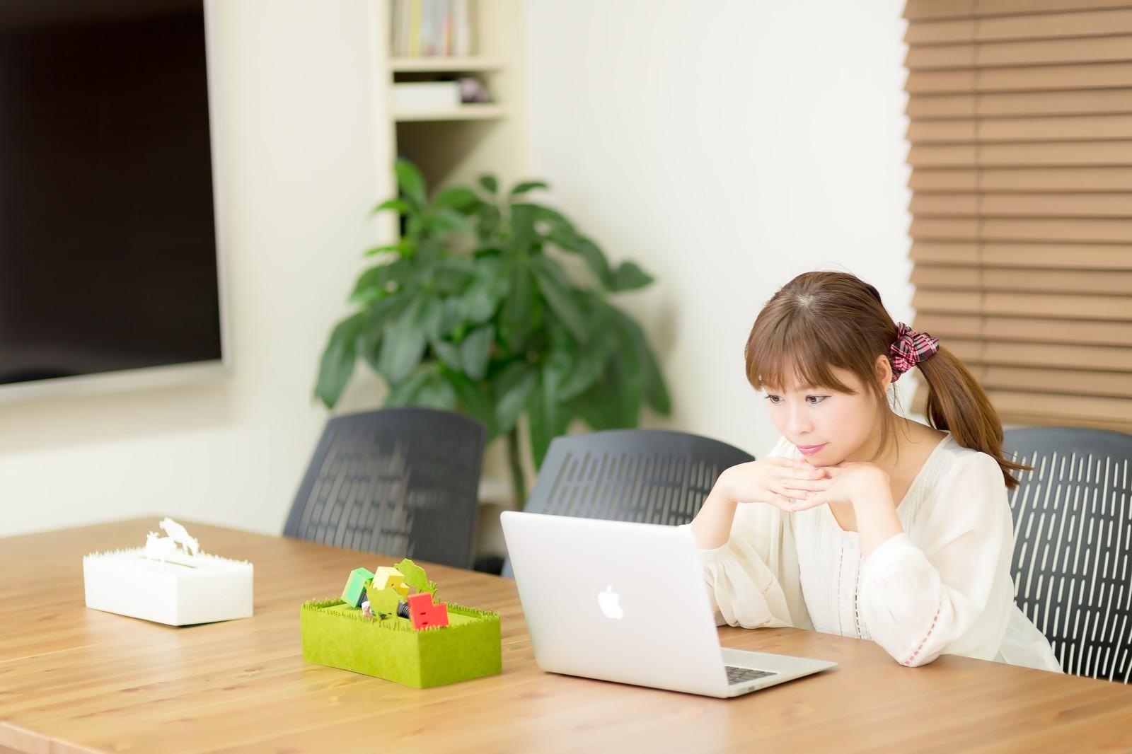 日本人はなぜ英語のスピーキングが苦手なのか?効果的な練習方法は?