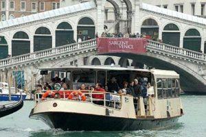ベネチアの水上バス