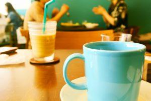 台北市内のカフェにて