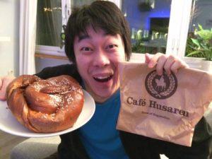 Cafe Husarenのシナモンロール