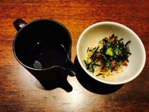 ひつまぶし三膳目:うな茶漬けにして食べる