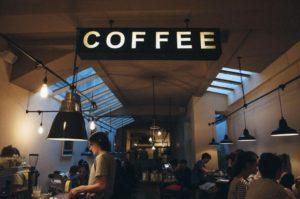 カフェやレストラン巡り