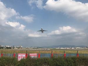 知る人ぞ知る松山機場裏の観測スポット「飛機巷」