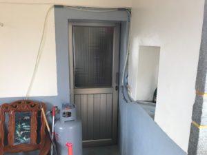 部屋1のドア