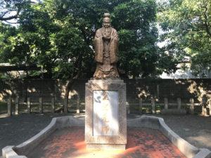 神社があった場所には孔子像が。