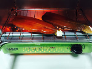 スイッチを入れてオーブンで焼きます