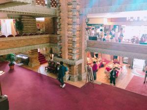 帝国ホテル玄関内部