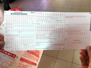 シンガポール入国に必要な紙ももらったよ
