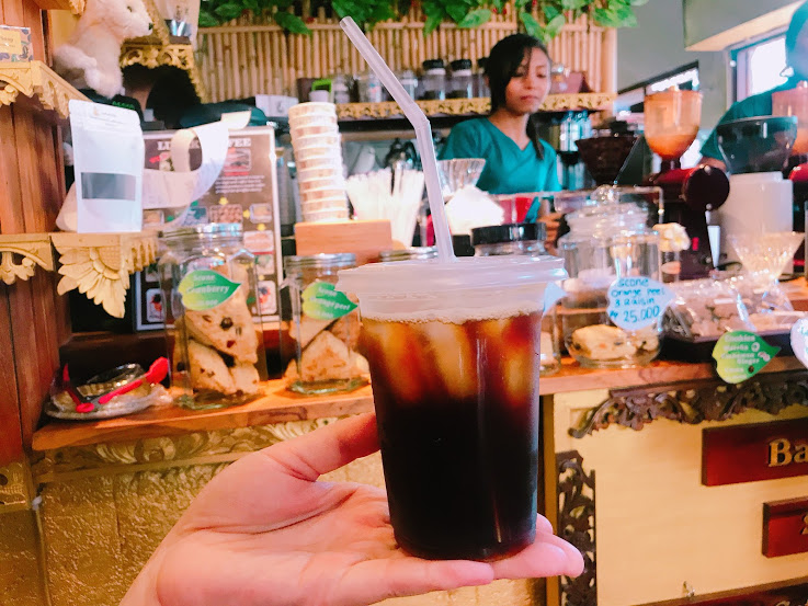 10000Rp(約78円)のブラックコーヒー
