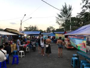 バリ島ローカルのナイトマーケット