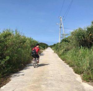 久高島では自転車移動が便利