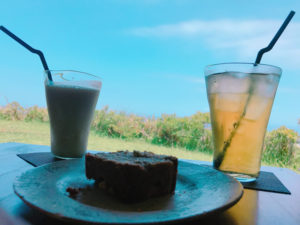 カフェこくうでパイナップルケーキを食べてみた。