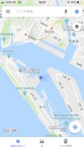 グーグルマップを開くと、ちょうど海上にいると表示されます。