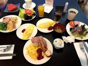 朝食はビュッフェスタイル