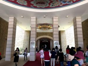 本堂の入口