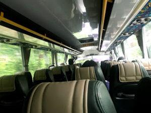 バスの中はこんな感じ