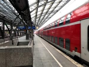 わたしはケルン中央駅からDB(ドイツ国鉄)に乗ってアーヘンまで行った