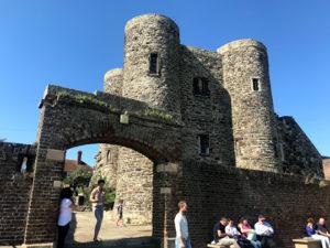 ライ城を裏から見上げる