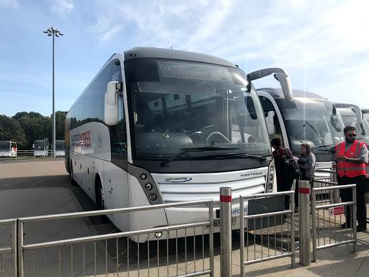 スタンステッド空港からロンドン市内へ行く方法。バスは安くて遅い。