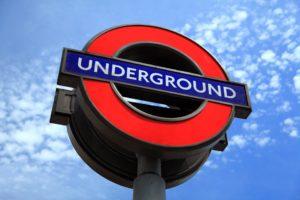 ロンドン地下鉄の標識