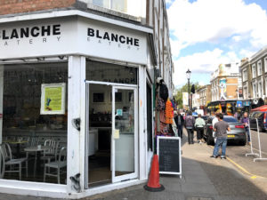 BLANCHEはノッティングヒルのど真ん中にある