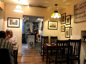 カフェ店内はアットホームな雰囲気