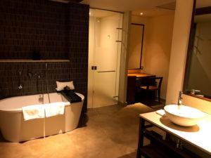 太魯閣晶英酒店(シルクスプレイス)の浴室とトイレ