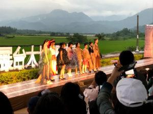 原住民のファッションショー