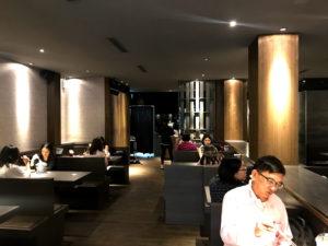 台中の老舗茶店「偈亭」一中街支店の内部