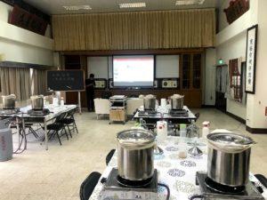 クラフトビール作り体験をした教室