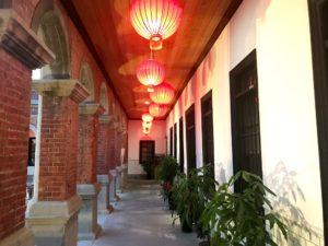 中華風建築部分の廊下