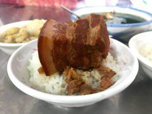 第二市場で有名な豚角煮飯。