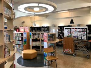 台中市立図書館北屯分館の内部