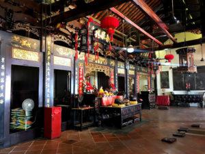 中華系寺院の内部