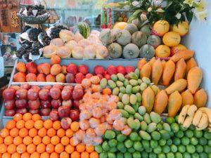 台南の有名フルーツ店「莉莉水果店」で絶品の南国果物を食べたよ!