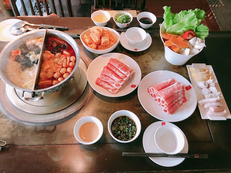 台湾鼎王(ディンワン)の麻辣火鍋が絶品だったので魅力をお伝えする