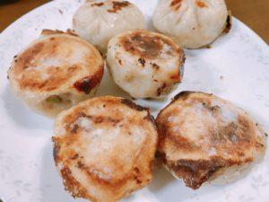 皮がパリパリでモチモチした美味しい台湾生煎包(焼き小籠包)