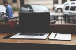 ブログ500記事達成。収益とPVはいかに?500は全体の1%未満