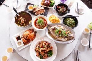 恒春の有名な台湾風ご当地料理の店「曾家小棧」