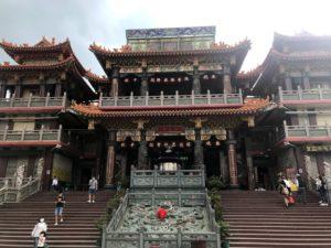 台湾最大の土地公「車城福安宮」