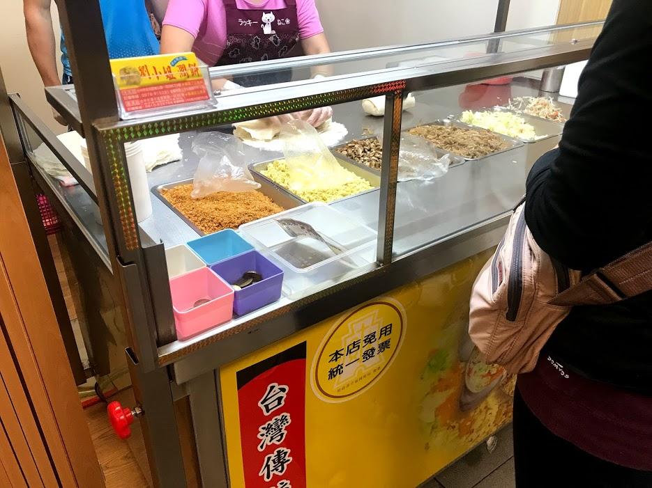劉小姐潤餅大坑店の屋台