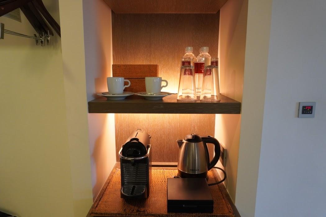 水、お茶、コーヒー
